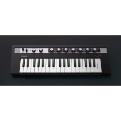 Yamaha Reface CP stage keyboards